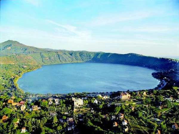 بحيرة ألبانو